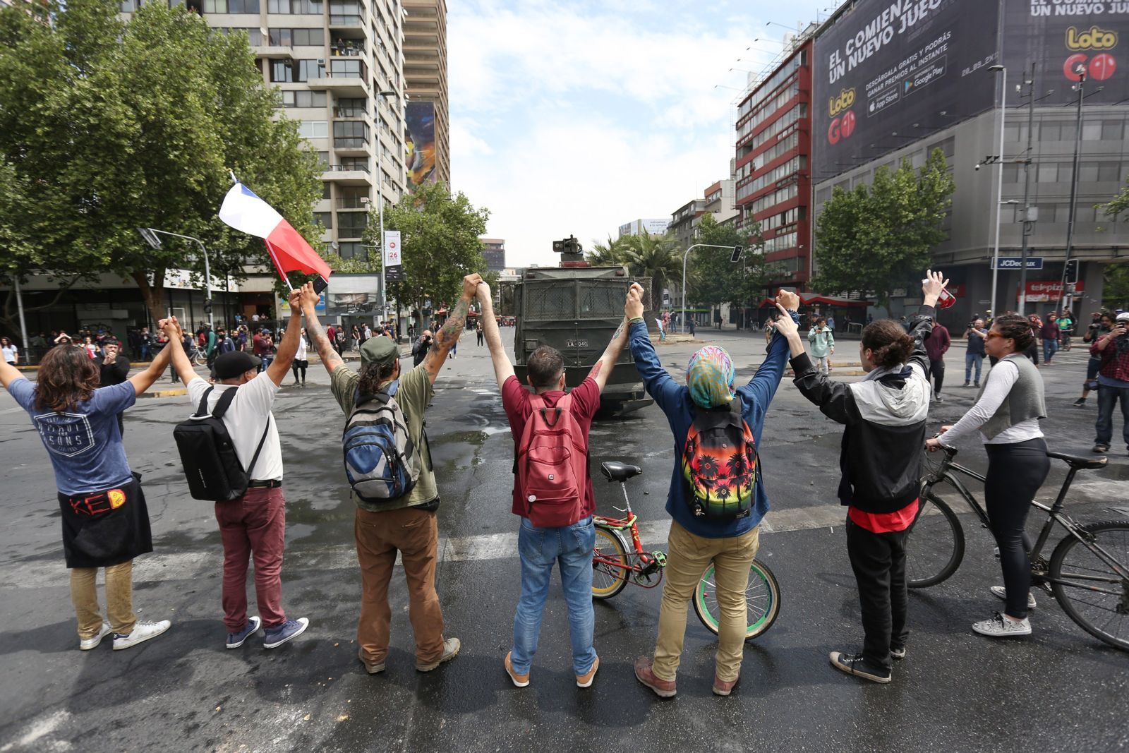 From legal empowerment to citizen empowerment in Chile: advancing human rights through action research in a dynamic context